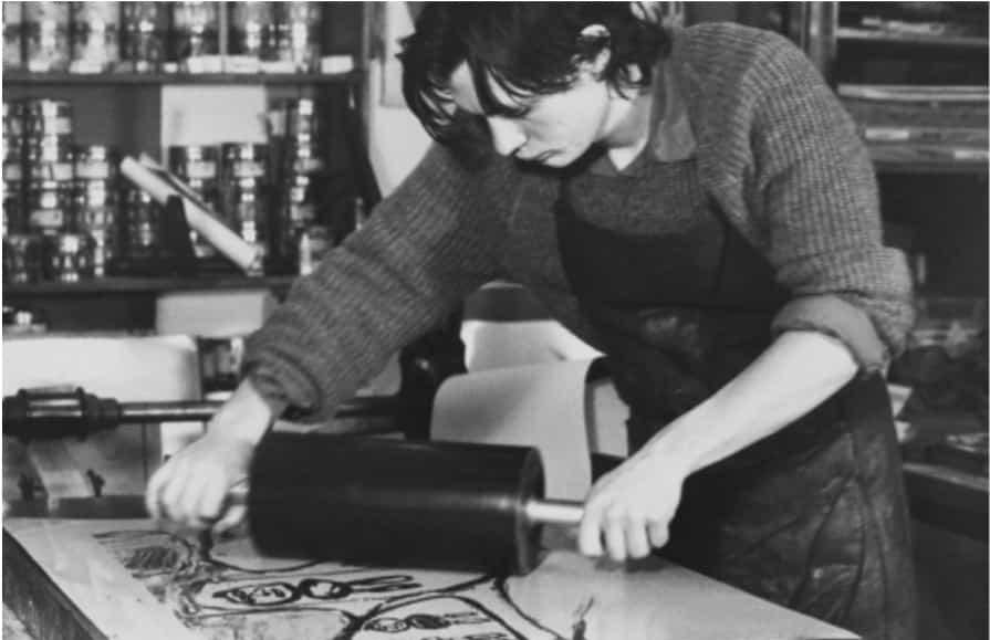 Franck Bordas encre une lithographie de Jean Dubuffet en 1982, © Michelle Parra-Aledo Bordas.
